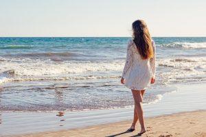 beneficios de la playa en nuestros pies